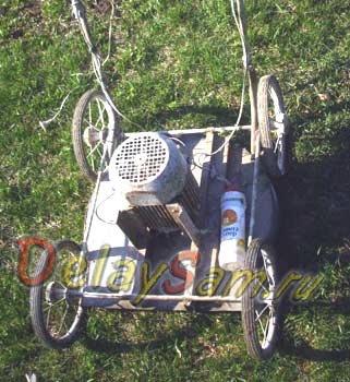 Самодельная Электрическая газонокосилка. Как сделать газонокосилку из электродвигателя и коляски.